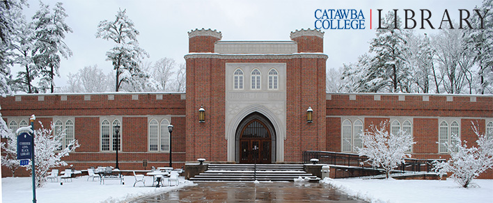 Front_of_library_in_winter